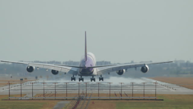 big airplane landing - kennedy airport stock videos & royalty-free footage
