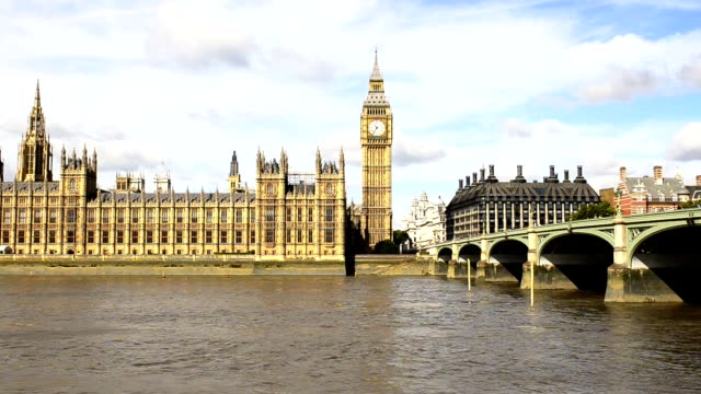 big ben und westminster bridge - westminster bridge stock-videos und b-roll-filmmaterial