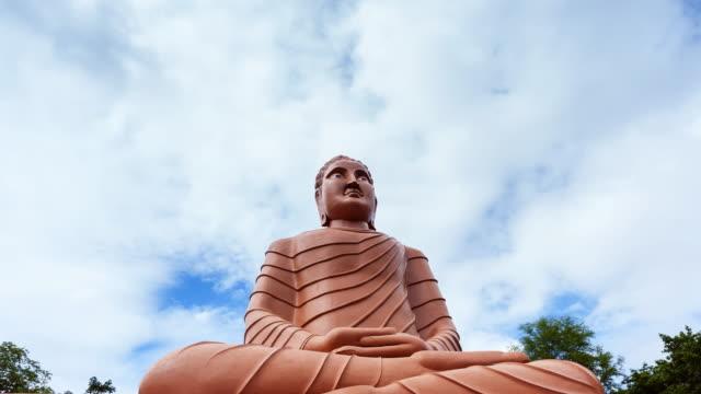 stockvideo's en b-roll-footage met big buddha; time-lapse - in kleermakerszit