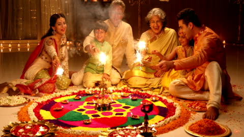 big family celebrating diwali festival, delhi, india - 傳統 個影片檔及 b 捲影像