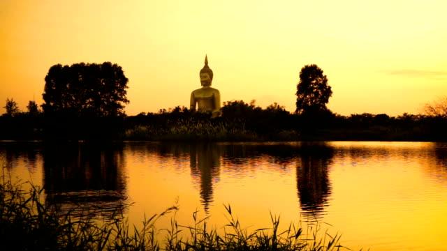 ワット ・ マウン寺院の黄金大仏 - 像点の映像素材/bロール