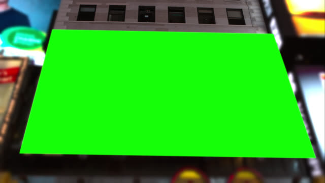 big green leinwand chroma key in times square, nyc - billboard stock-videos und b-roll-filmmaterial