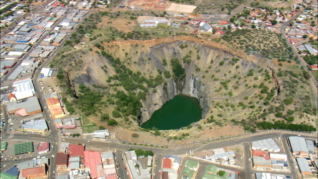 big hole  - aerial view -,  south africa - digging stock videos & royalty-free footage