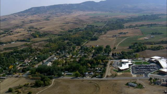 vidéos et rushes de vue aérienne de grosse corne au wyoming, sheridan county, états-unis - wyoming