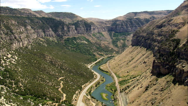 big horn canyon - aerial view - wyoming,  fremont county,  helicopter filming,  aerial video,  cineflex,  establishing shot,  united states - reservoir stock videos and b-roll footage