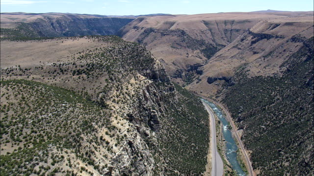 Big Horn Canyon South End - Luftbild - Wyoming, Fremont County, Helikopter Filmen, aerial Video, Cineflex, Gründung Schuss, Vereinigte Staaten
