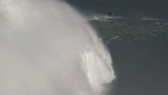 big wave surfing hawaiian islands 25 40 feet face of the wave outer island north shore maui Extreme ocean action sports