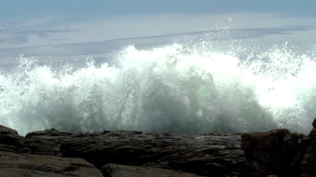 big wave - breaking wave stock videos & royalty-free footage