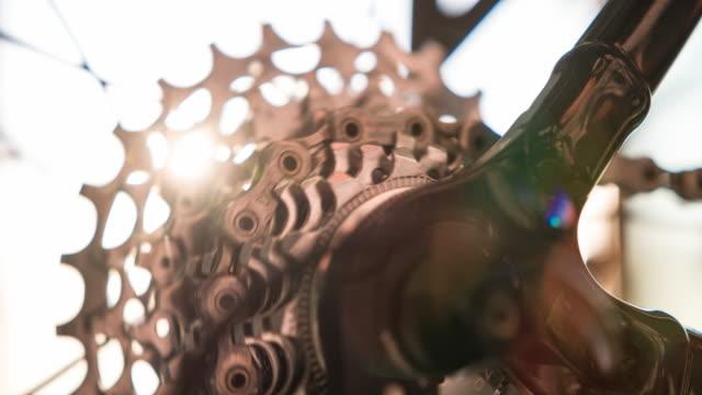 Bike cassette sprocket spinning