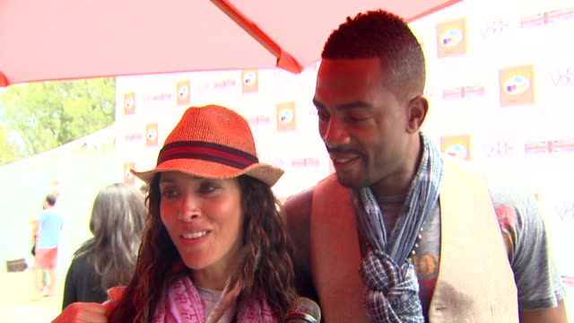 bill bellamy and wife kristen baker on how they got involved in one voice on what the kids are looking forward to on father's day at the kidstock... - bill bellamy stock videos and b-roll footage