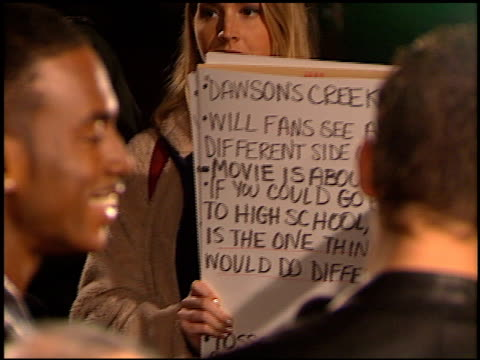 bill bellamy at the 'varsity blues' premiere at paramount lot in hollywood california on january 7 1999 - bill bellamy stock videos and b-roll footage