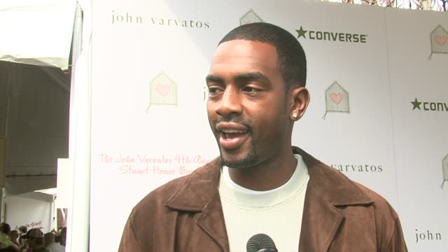 bill bellamy on the event why its such an important cause how its a great event to raise awareness and bring the family at the john varvatos 4th... - bill bellamy stock videos and b-roll footage