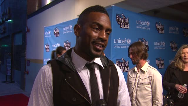 bill bellamy on what brings him out serving as the night's host what some of his goto karaoke favorites are his advice to any first time karaoke... - bill bellamy stock videos and b-roll footage