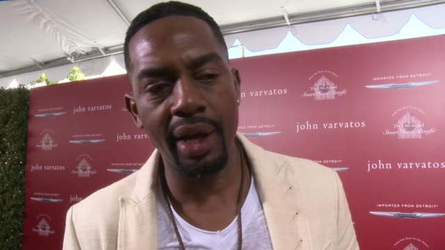 interview bill bellamy on why he wanted to support john varvatos and stuart house what he loves about john varvatos' style how he would describe his... - bill bellamy stock videos and b-roll footage