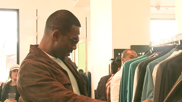 bill bellamy shopping at the john varvatos 4th annual stuart house benefit at jthe ohn varvatos boutique in los angeles california on march 19 2006 - bill bellamy stock videos and b-roll footage