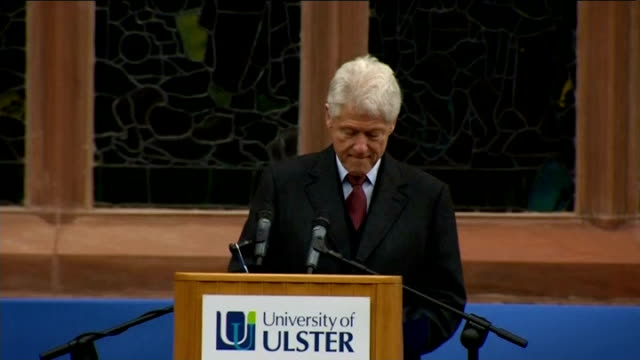 vídeos y material grabado en eventos de stock de bill clinton speech on peace process clinton speech sot live in the future what kills people's spirit is believing that every tomorrow is going to be... - the cure
