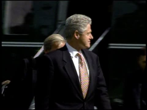 bill clinton steps out of marine 1 at the white house - bill clinton stock videos & royalty-free footage