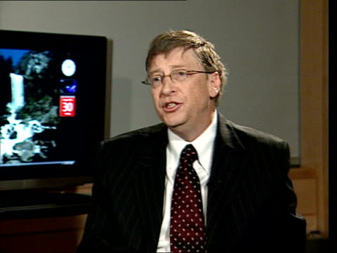 bill gates interview about launch of new microsoft os vista tagged as 'the wow is now' stuart mills asking question sot would you admit that apple... - apple computer stock-videos und b-roll-filmmaterial