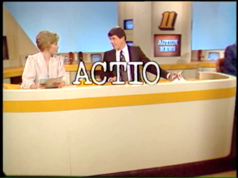 vídeos de stock e filmes b-roll de bill litauer introduces a 1970s newscast featuring award winning action news team wpix action news opening at the daily news building on november 14... - 1970 1979