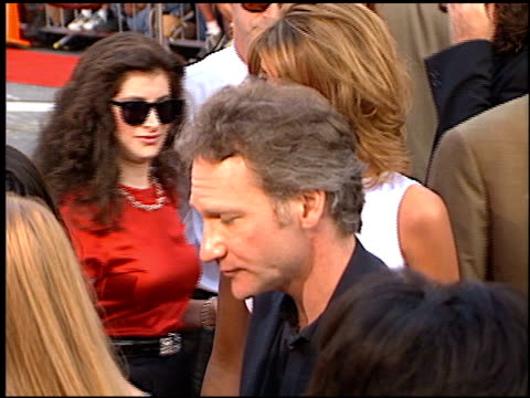 stockvideo's en b-roll-footage met bill maher at the 'cable guy' premiere at grauman's chinese theatre in hollywood, california on june 10, 1996. - mann theaters