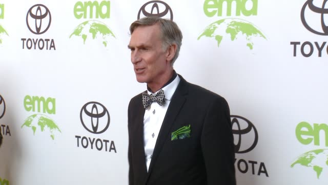 vidéos et rushes de bill nye at the 28th annual environmental media awards in los angeles, ca 5/22/18 - environmental media awards