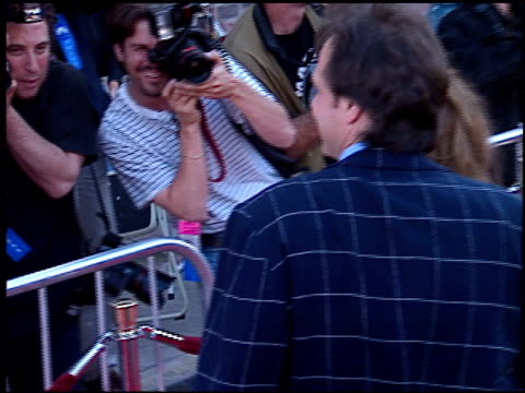 bill paxton at the 'mission impossible' premiere on may 20, 1996. - bill paxton stock videos & royalty-free footage