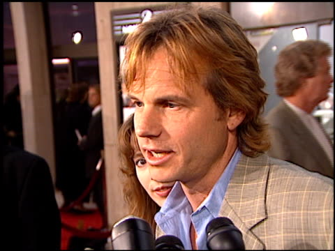 bill paxton at the 'that thing you do' premiere at cineplex odeon in century city, california on october 1, 1996. - odeon cinemas点の映像素材/bロール