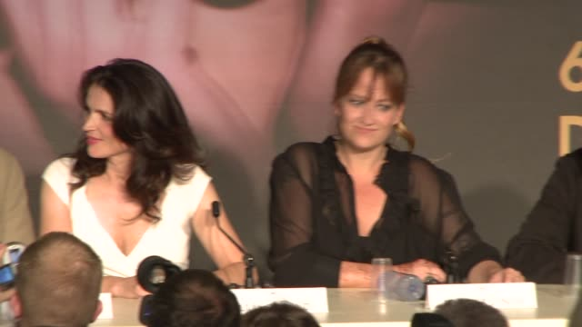 """bill pullman and julia ormond at the cannes press conference for """"surveillance"""" in cannes on may 21, 2008. - bill pullman stock videos & royalty-free footage"""