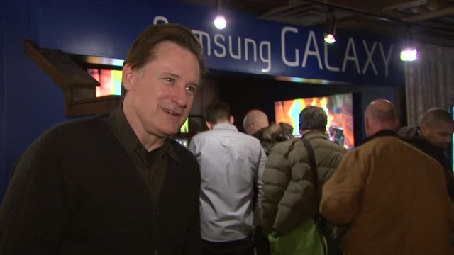 bill pullman at celebrities visit the samsung galaxy lounge day 1 on 1/18/13 in park city utah - 1日目点の映像素材/bロール
