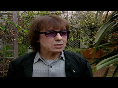 bill wyman speaking about his autobiography book rolling with the stone sky news archival content of rolling stones at various locations on september... - 伝記点の映像素材/bロール