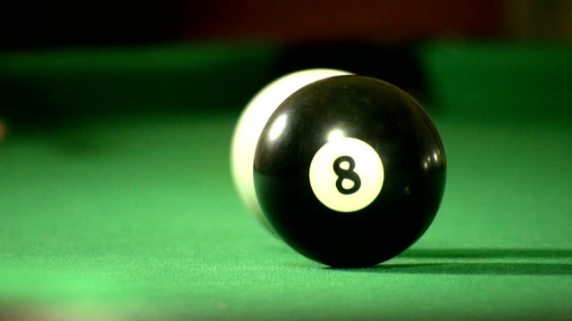 hd: billard pushback - numero 8 video stock e b–roll
