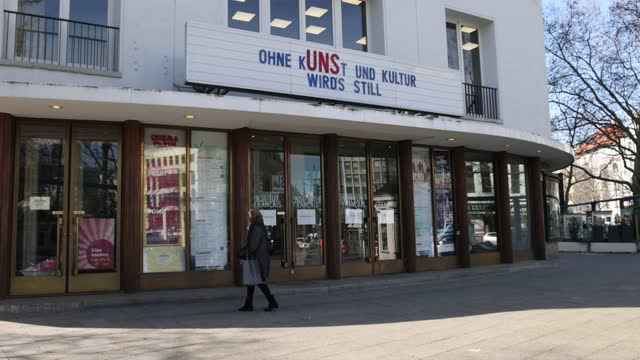 "billboard at a cinema says ""without art and culture it becomes quiet"" on kurfuerstendamm avenue during the coronavirus pandemic on march 09, 2021 in... - kunst bildbanksvideor och videomaterial från bakom kulisserna"