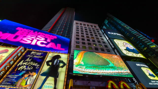 times lapse, billboards advertisements, times square, nyc - broadway manhattan video stock e b–roll