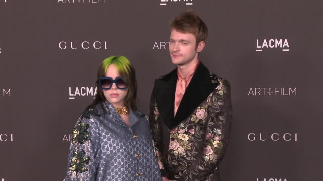 vídeos y material grabado en eventos de stock de billie eilish and finneas o'connell at the 2019 lacma artfilm gala honoring betye saar and alfonso cuaron and presented by gucci at lacma on november... - billie eilish