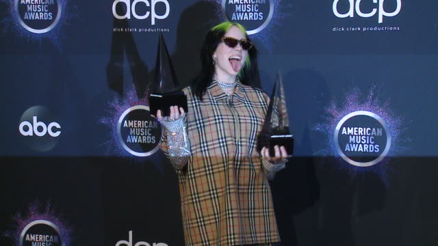 vídeos y material grabado en eventos de stock de billie eilish at the 2019 american music awards at microsoft theater on november 24 2019 in los angeles california - billie eilish