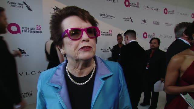 billie jean king at the elton john aids foundation presents the 26th annual academy awards viewing party on march 04, 2018 in west hollywood,... - ビリー・ジーン・キング点の映像素材/bロール