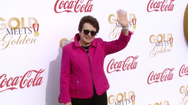 billie jean king at the gold meets golden: the 5th anniversary refreshed by coca-cola, globes weekend gets sporty with athletic royalty on january 6,... - ビリー・ジーン・キング点の映像素材/bロール
