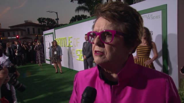 billie jean king talks about how she wants younger generation to see the movie. hopes it inspires young people and older people can be nostalgic at... - ビリー・ジーン・キング点の映像素材/bロール