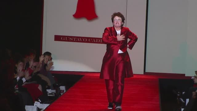 billie jean king wearing gustavo cadile during heart truth red dress fall 2007 at the mercedesbenz fashion week fall 2007 heart truth red dress front... - billie jean king stock videos & royalty-free footage