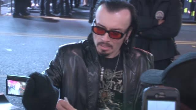 vídeos y material grabado en eventos de stock de billy blair greets fans at the last stand premiere in hollywood 01/14/13 - el último desafío