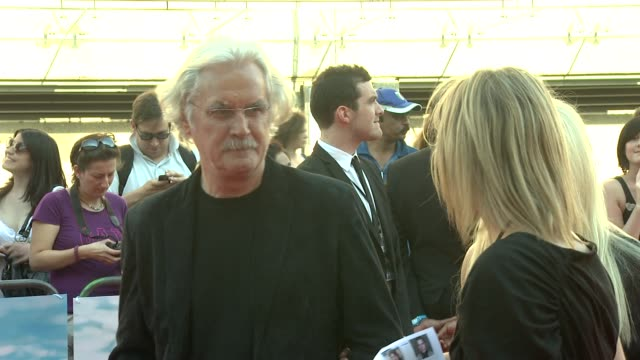 vidéos et rushes de living in the material world uk premiere at london england - billy connolly