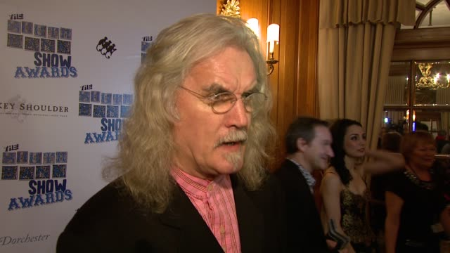 vídeos y material grabado en eventos de stock de billy connolly on the end of the south bank show the awards on armando iannucci on mixing with other celebrities at the the south bank show awards at... - armando iannucci