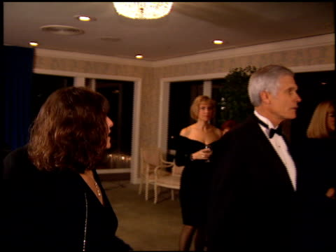 vídeos de stock, filmes e b-roll de billy crystal at the scopus awards 95 honors ted turner at the beverly hilton in beverly hills california on january 14 1995 - billy crystal