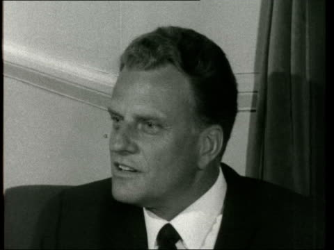 billy graham arrives lap; graham inside: sof: yes, i think possibly so, as a matter of fact i'm in the process of trying to eliminate at the moment... - the crusades stock videos & royalty-free footage