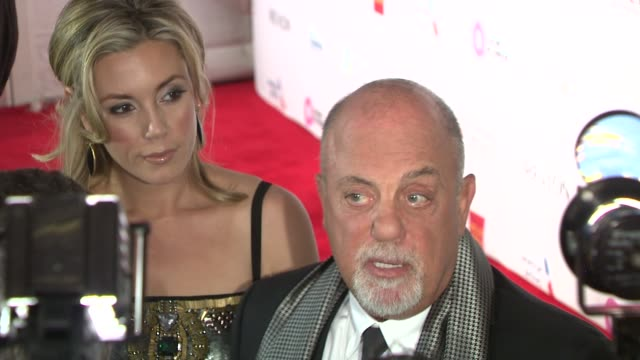 stockvideo's en b-roll-footage met billy joel and alexis roderick at elton john aids foundation's 12th annual an enduring vision benefit on in new york ny - billy joel
