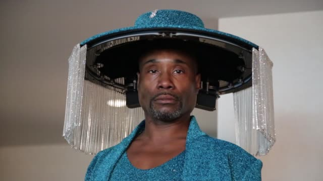 vídeos de stock, filmes e b-roll de billy porter at billy porter gets ready for the 62nd annual grammy awards on january 26 2020 in los angeles california - prêmios grammy