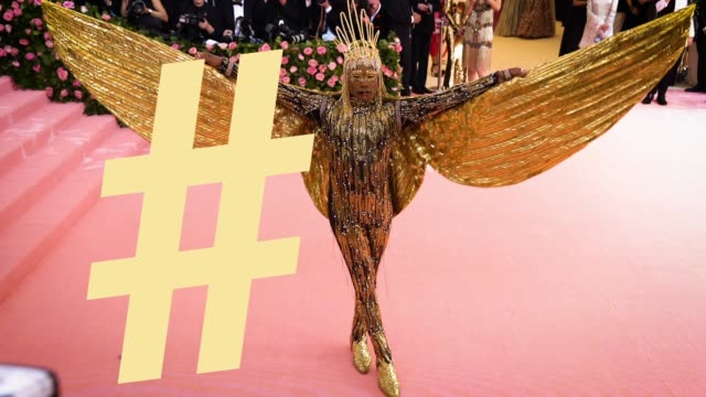 vidéos et rushes de billy porter at the 2019 met gala celebrating camp: notes on fashion - graphic social at metropolitan museum of art on may 6, 2019 in new york city. - gala
