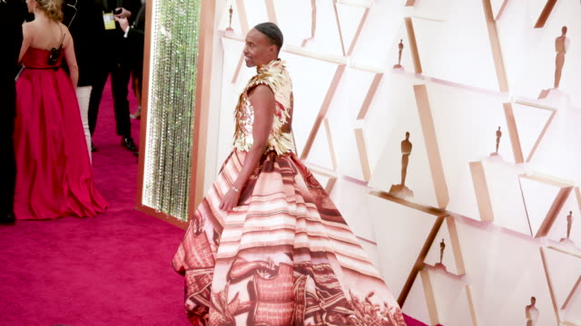 vídeos y material grabado en eventos de stock de billy porter at the 92nd annual academy awards - arrivals on february 09, 2020 in hollywood, california. - alfombra roja