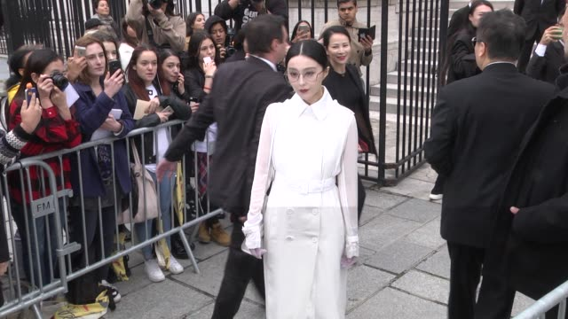Bingbing Fan arrives at the Givenchy show as part of the Paris Fashion Week Womenswear Spring/Summer 2018 on October 1 2017 in Paris France