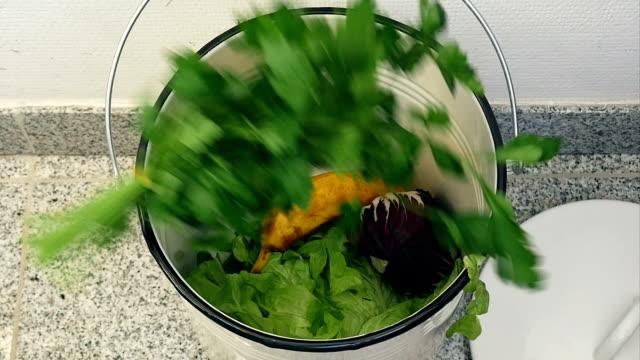 SLO MO Binning noch essbar Speisen
